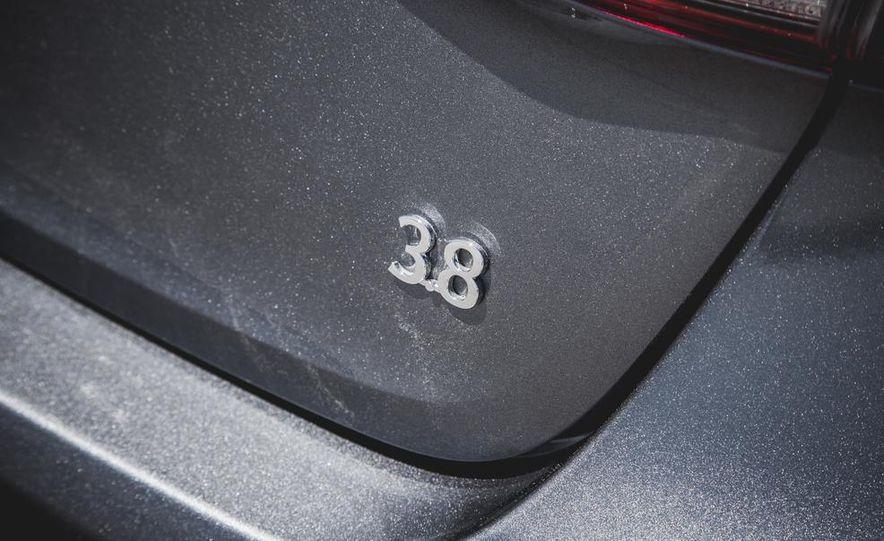 2015 Hyundai Genesis 3.8 sedan - Slide 28