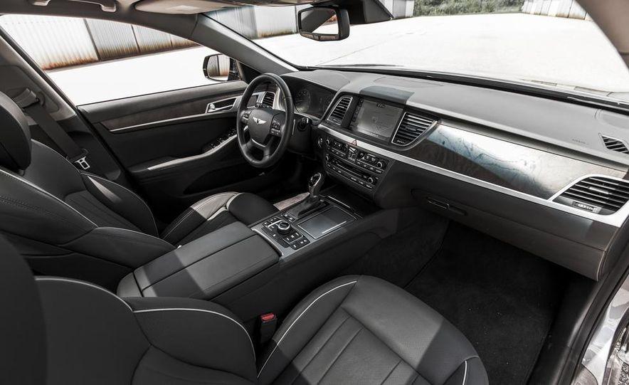 2015 Hyundai Genesis 3.8 HTRAC sedan - Slide 31