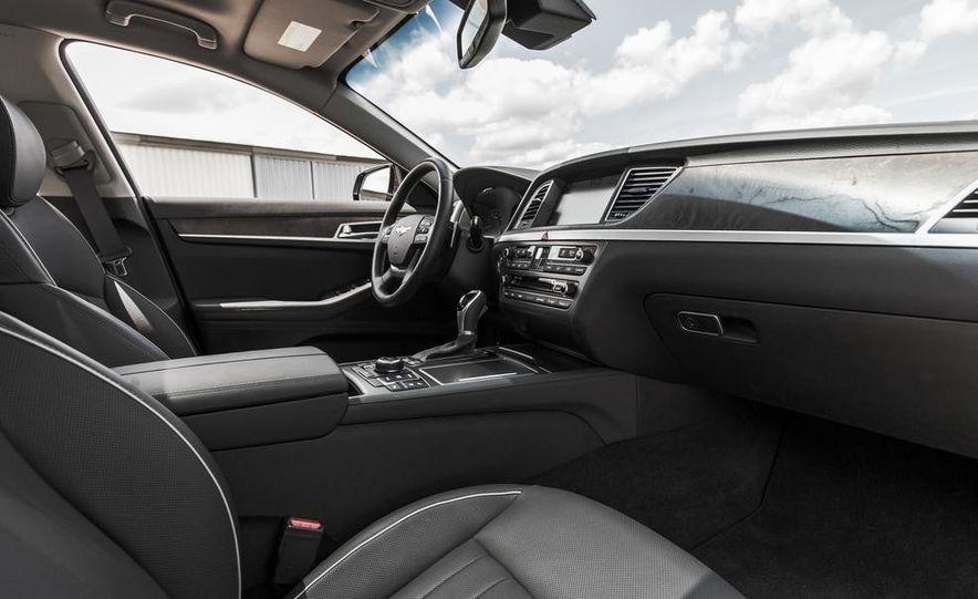2015 Hyundai Genesis 3.8 HTRAC sedan - Slide 32