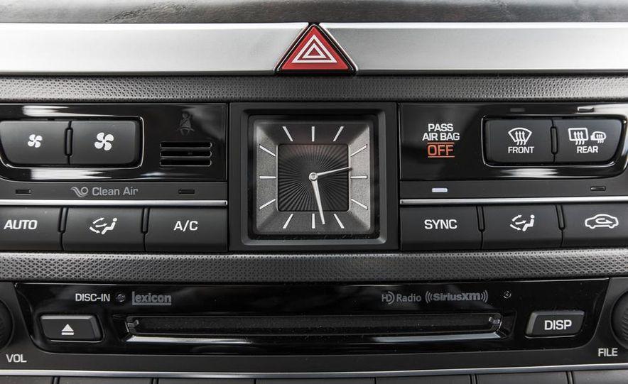 2015 Hyundai Genesis 3.8 HTRAC sedan - Slide 46