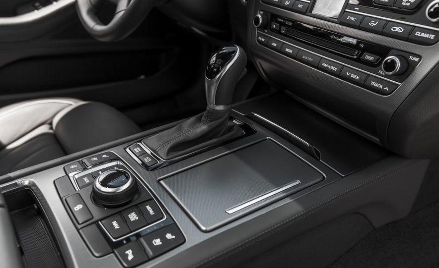 2015 Hyundai Genesis 3.8 HTRAC sedan - Slide 50