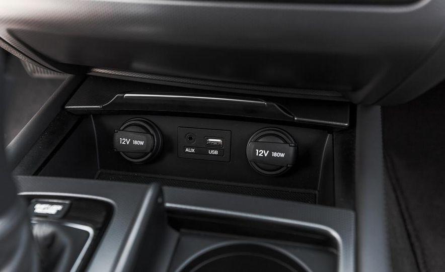 2015 Hyundai Genesis 3.8 HTRAC sedan - Slide 51