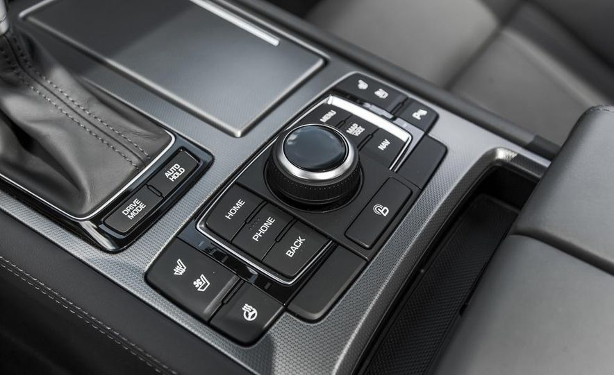 2015 Hyundai Genesis 3.8 HTRAC sedan - Slide 53