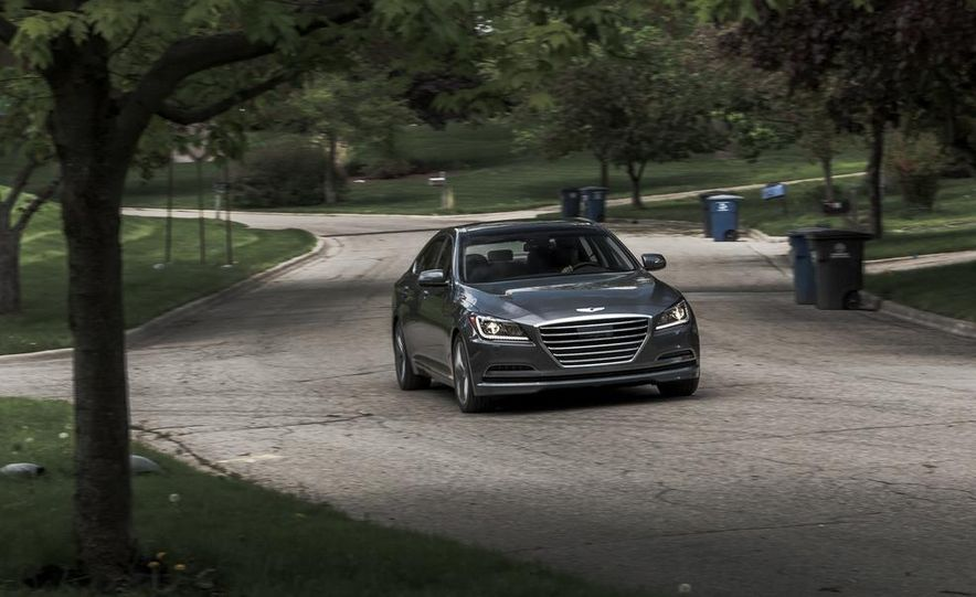 2015 Hyundai Genesis 3.8 HTRAC sedan - Slide 1