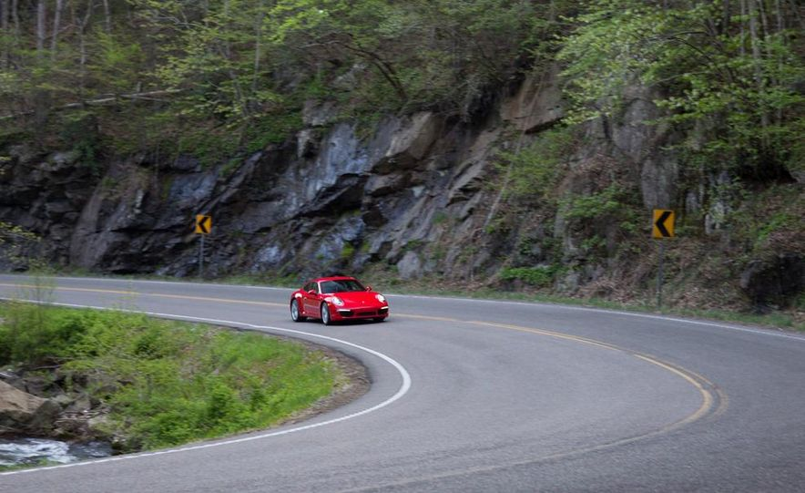 2014 Porsche 911 Carrera and 2015 BMW M4 coupe - Slide 18