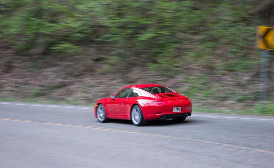 2014 Porsche 911 Carrera and 2015 BMW M4 coupe - Slide 21