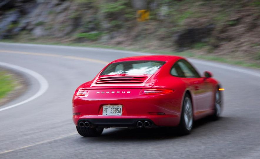 2014 Porsche 911 Carrera and 2015 BMW M4 coupe - Slide 23
