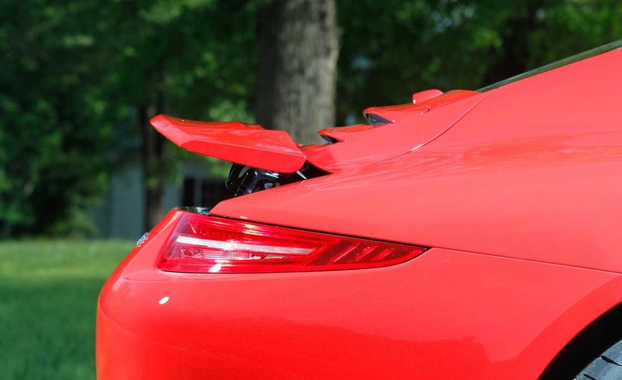 2014 Porsche 911 Carrera and 2015 BMW M4 coupe - Slide 27