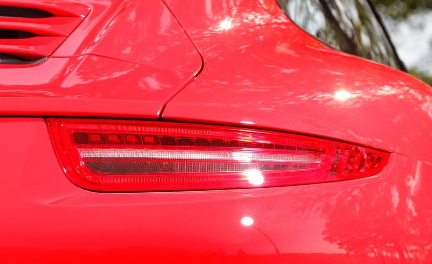2014 Porsche 911 Carrera and 2015 BMW M4 coupe - Slide 29