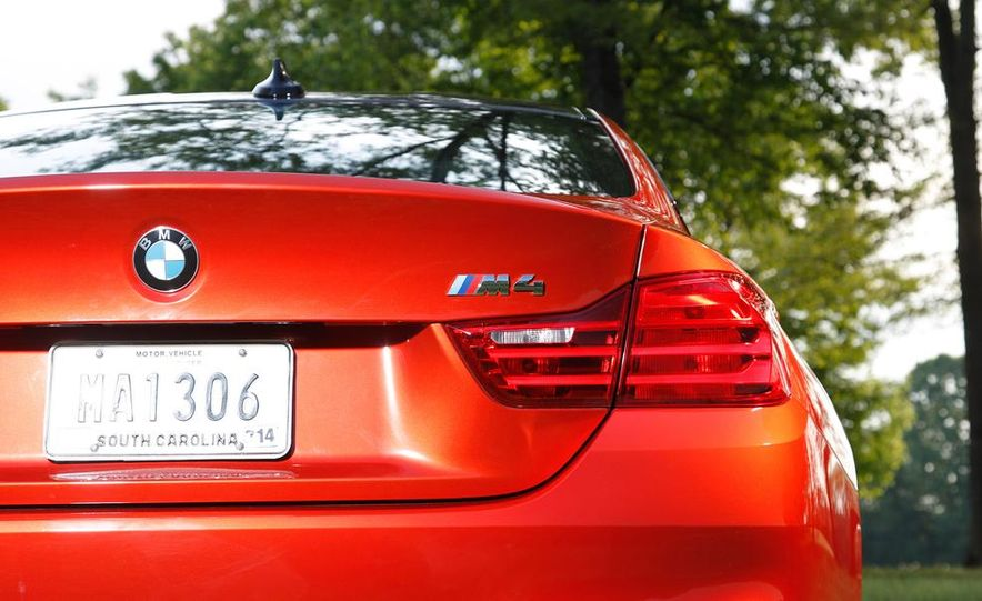 2014 Porsche 911 Carrera and 2015 BMW M4 coupe - Slide 45