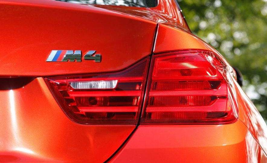 2014 Porsche 911 Carrera and 2015 BMW M4 coupe - Slide 46