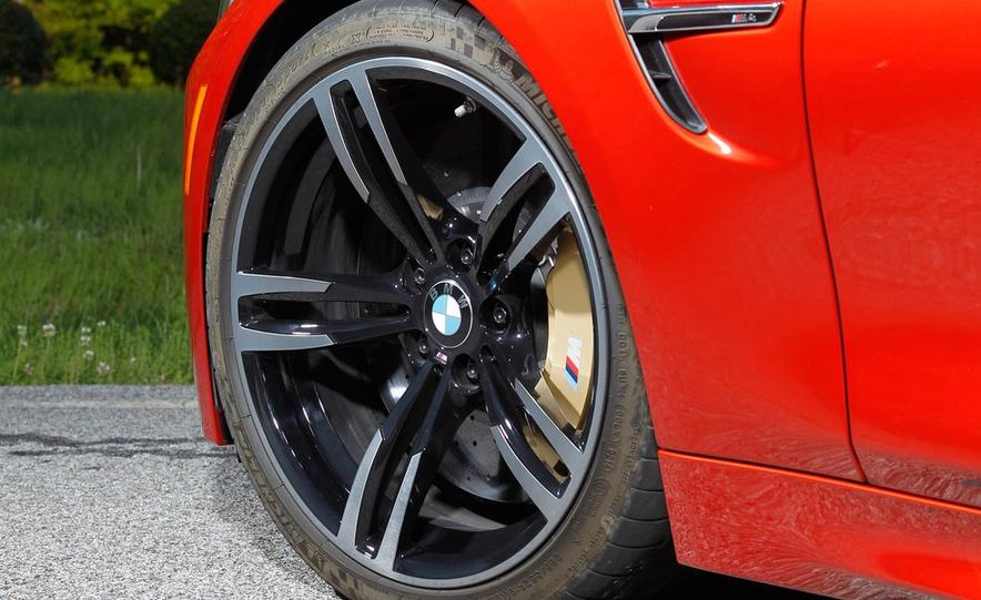 2014 Porsche 911 Carrera and 2015 BMW M4 coupe - Slide 47