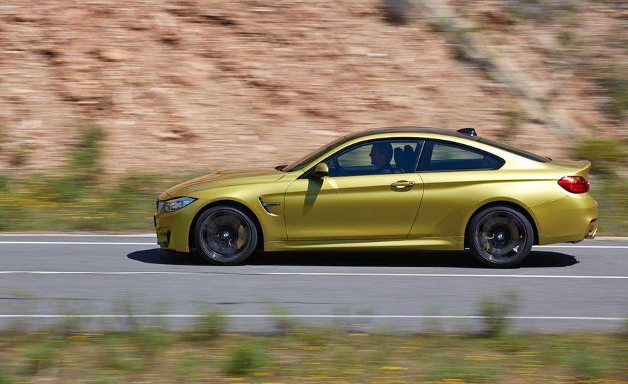 2015 BMW M4 coupe - Slide 17