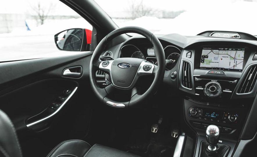 2016 Ford Focus RS hatchback (spy photo) - Slide 32