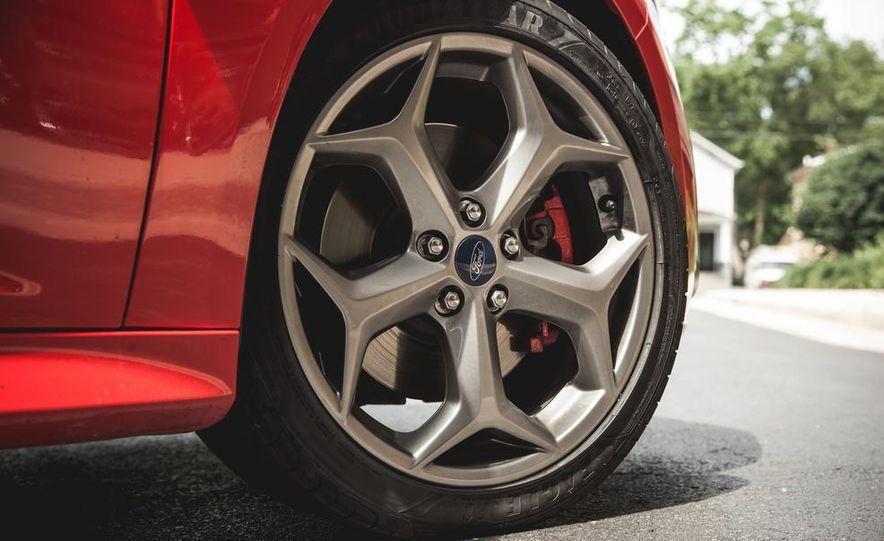 2016 Ford Focus RS hatchback (spy photo) - Slide 29