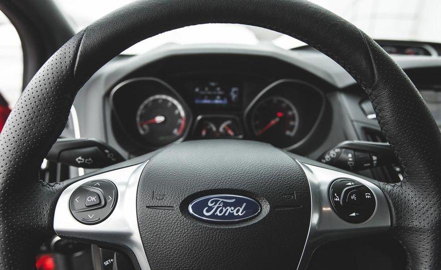 2016 Ford Focus RS hatchback (spy photo) - Slide 40
