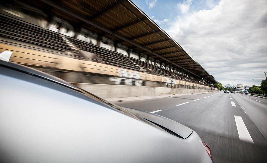 2014 Mercedes-Benz S63 AMG 4MATIC - Slide 14