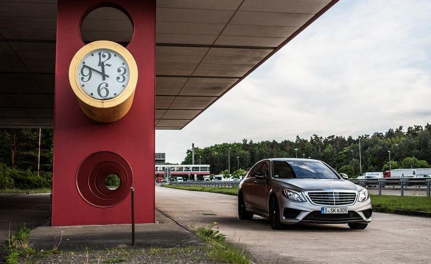 2014 Mercedes-Benz S63 AMG 4MATIC - Slide 17