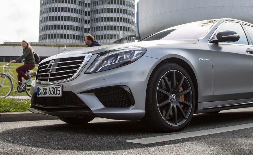 2014 Mercedes-Benz S63 AMG 4MATIC - Slide 24