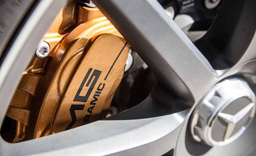 2014 Mercedes-Benz S63 AMG 4MATIC - Slide 32