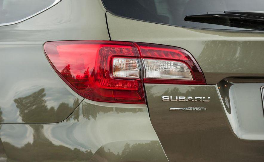 2015 Subaru Outbacks - Slide 30