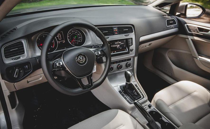 2015 Volkswagen Golf TDI - Slide 32