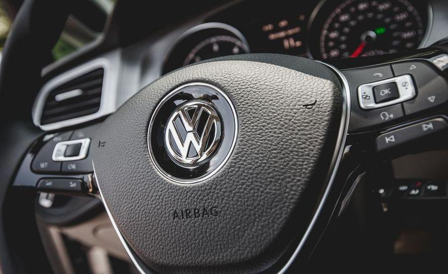 2015 Volkswagen Golf TDI - Slide 50