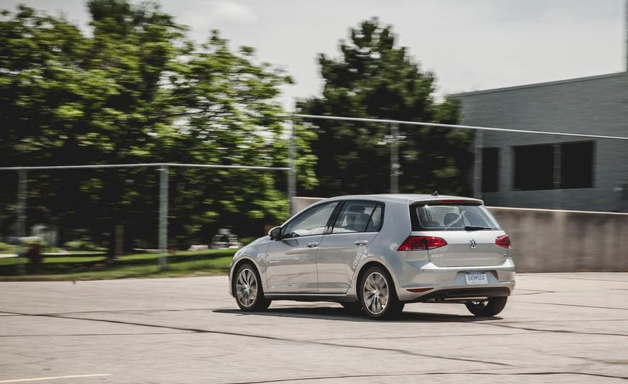 2015 Volkswagen Golf TDI - Slide 8