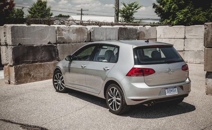 2015 Volkswagen Golf TDI - Slide 21