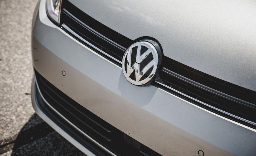 2015 Volkswagen Golf TDI - Slide 22