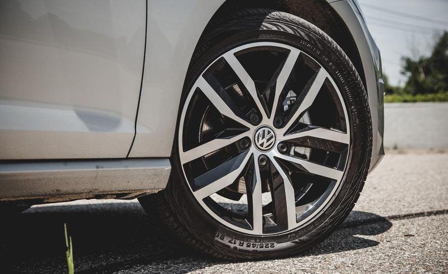 2015 Volkswagen Golf TDI - Slide 26