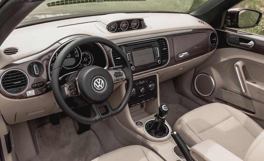 2014 Volkswagen Beetle TDI convertible - Slide 26