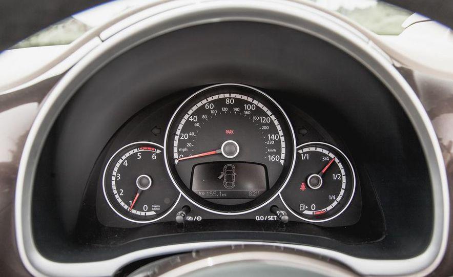 2014 Volkswagen Beetle TDI convertible - Slide 36