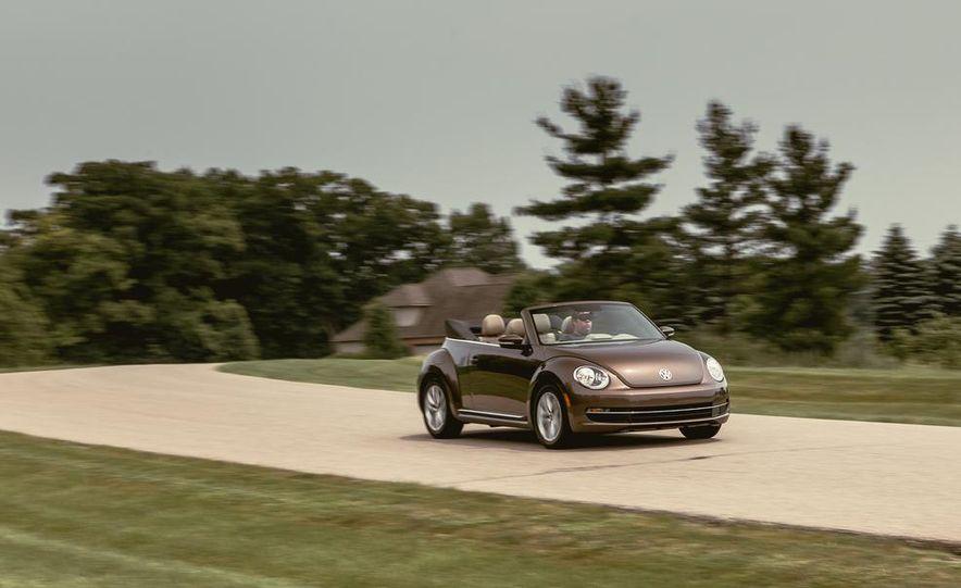 2014 Volkswagen Beetle TDI convertible - Slide 4