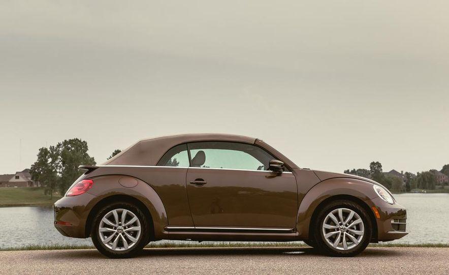 2014 Volkswagen Beetle TDI convertible - Slide 15