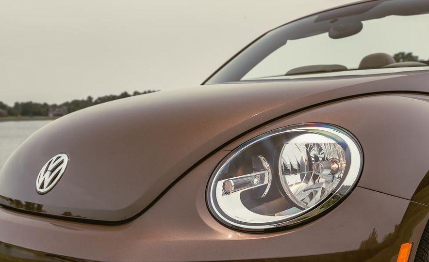 2014 Volkswagen Beetle TDI convertible - Slide 19