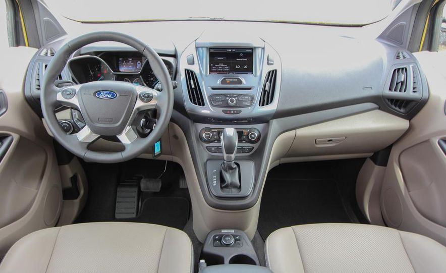 2014 Ford Transit Connect wagon - Slide 2
