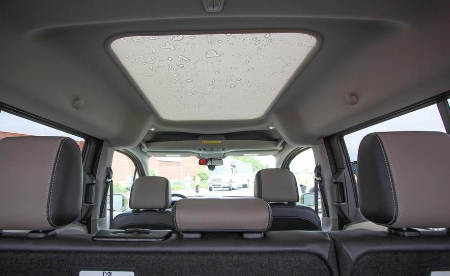 2014 Ford Transit Connect wagon - Slide 13