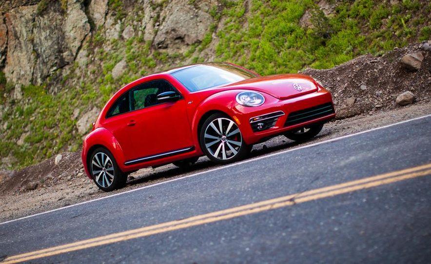 2014 Volkswagen Beetle R-Line coupe - Slide 1
