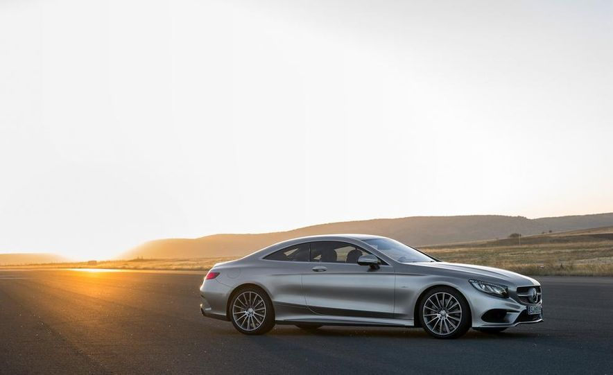 2015 Mercedes-Benz S500 4MATIC coupe - Slide 9