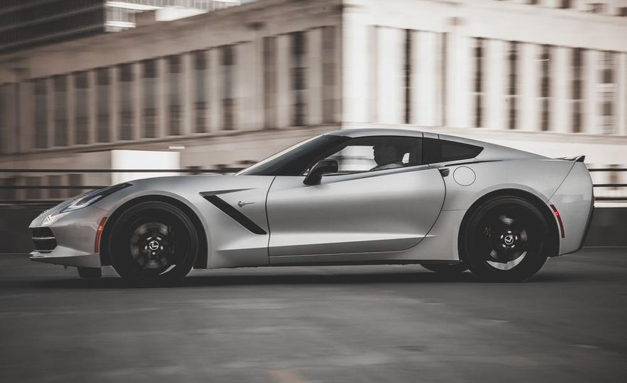 2014 Chevrolet Corvette Stingray coupe Z51 - Slide 43