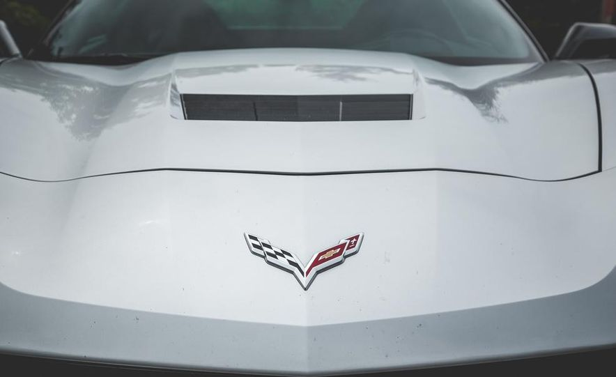 2014 Chevrolet Corvette Stingray coupe Z51 - Slide 37