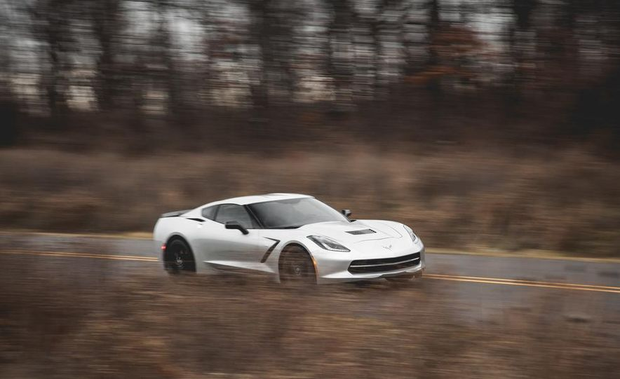 2014 Chevrolet Corvette Stingray coupe Z51 - Slide 16