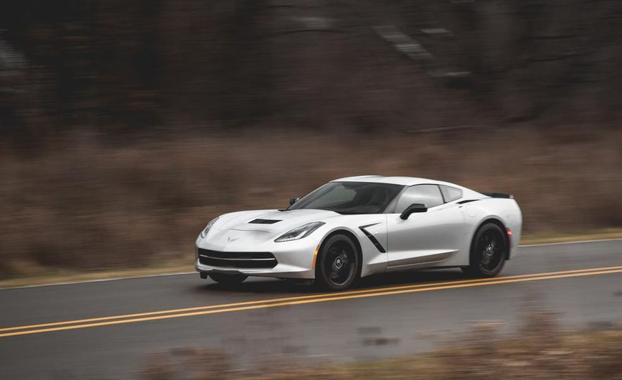 2014 Chevrolet Corvette Stingray coupe Z51 - Slide 18