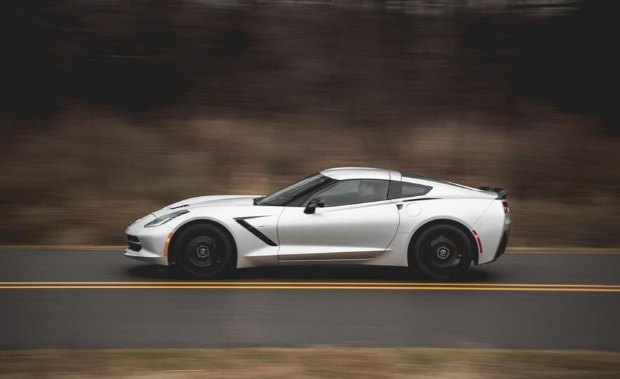 2014 Chevrolet Corvette Stingray coupe Z51 - Slide 19