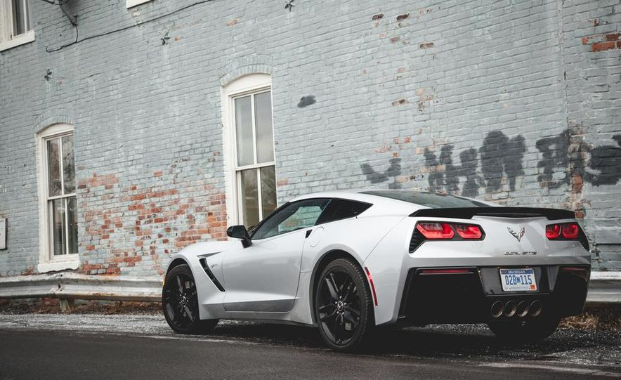 2014 Chevrolet Corvette Stingray coupe Z51 - Slide 24
