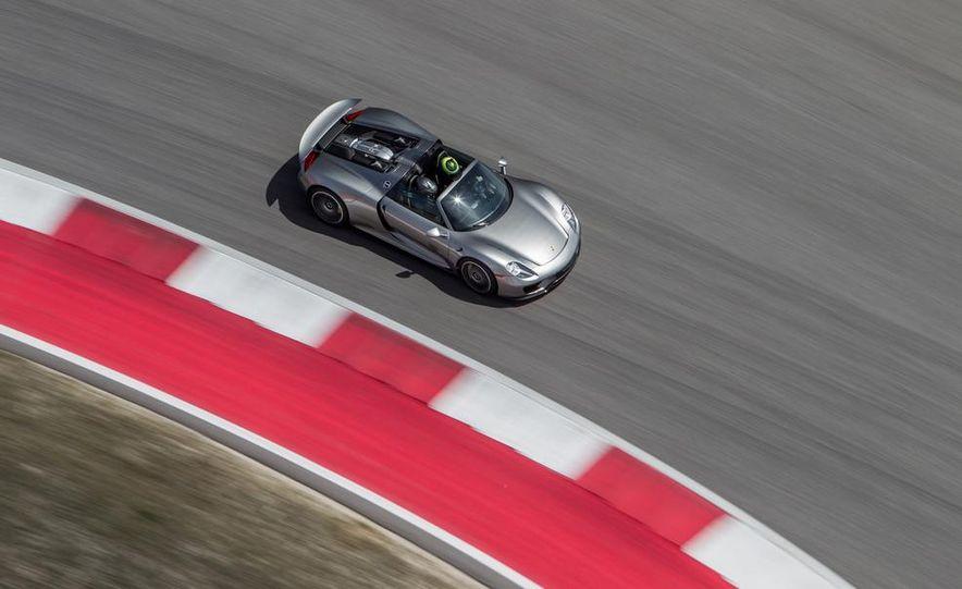 2015 Porsche 918 Spyder - Slide 18
