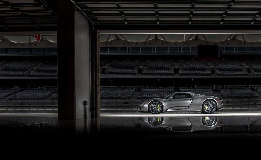 2015 Porsche 918 Spyder - Slide 27