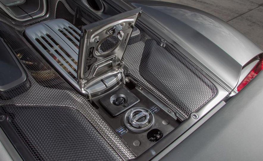 2015 Porsche 918 Spyder - Slide 31
