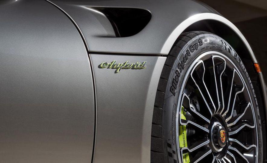 2015 Porsche 918 Spyder - Slide 39